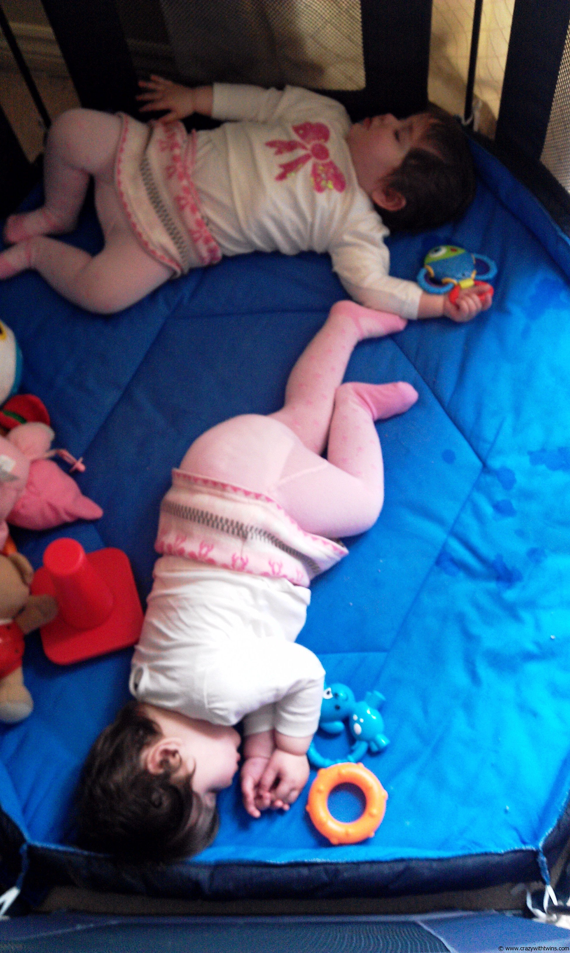 Toys For Twins : The truth about baby twins and toys
