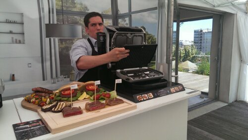 demonstration of how to use the Tefal OptiGrill