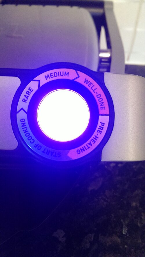 The cooking indicator light on the Tefal OptiGrill