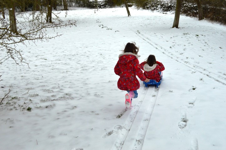 snow day, sledging, snow in gloucestershire, snow in cheltenham, children playing in the snow, twins sledging