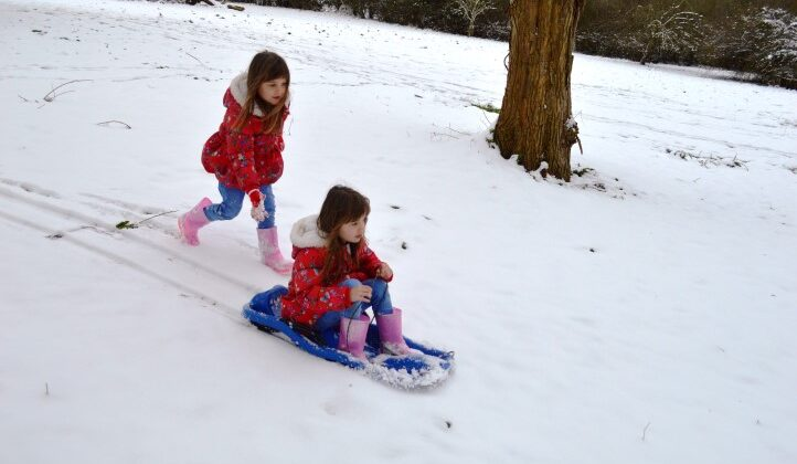 snow day, sledging, snow in gloucestershire, snow in cheltenham, children playing in the snow, twins sledging, twins playing in the snow
