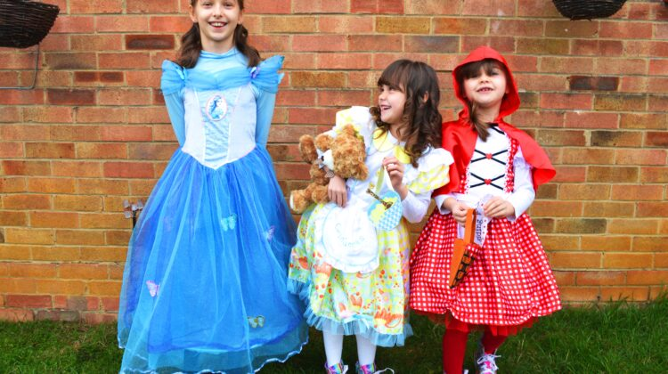 world book day, world book day 2018, cinderella, little red riding hood, goldilocks and the three bears, sisters, siblings, sisters on world book day, fairytale costumes