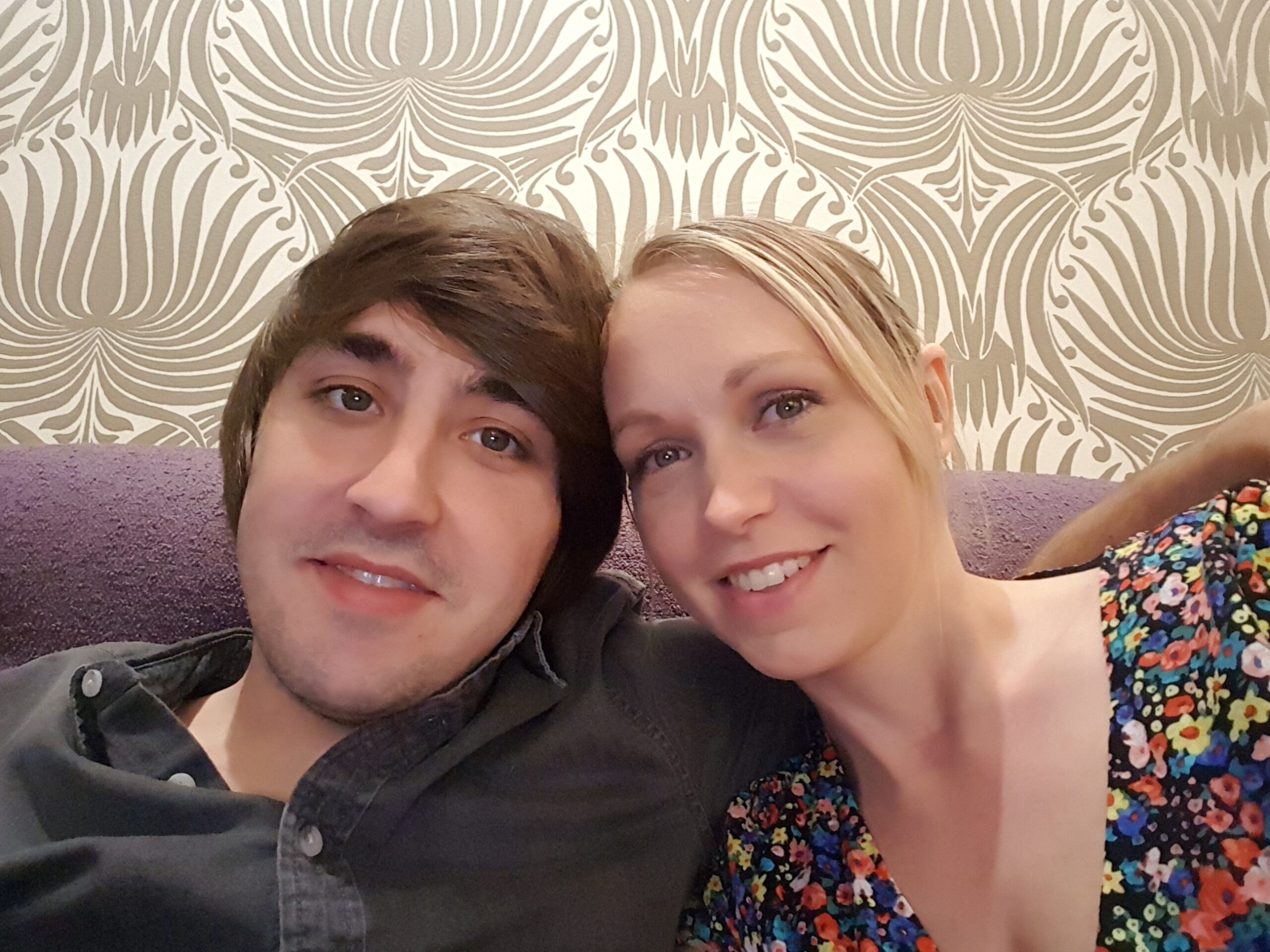 husband and wife dates, husband and wife selfie,