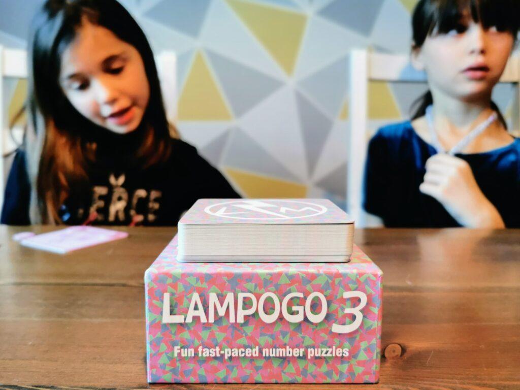 twins playing Lampogo 3